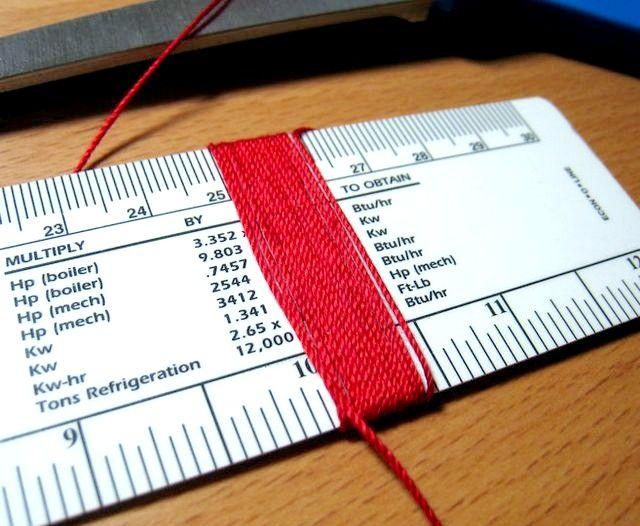 बुकमार्क्स के लिए एक टसेल कैसे बनाएं