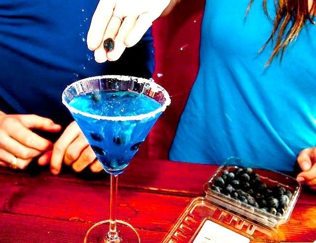 मेकअप अ ब्लू मत्स्यस्त्री मार्टिनी चरण 8 शीर्षक वाली छवि