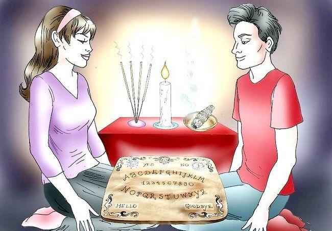 एक Ouija बोर्ड चरण 3 का उपयोग करें शीर्षक छवि