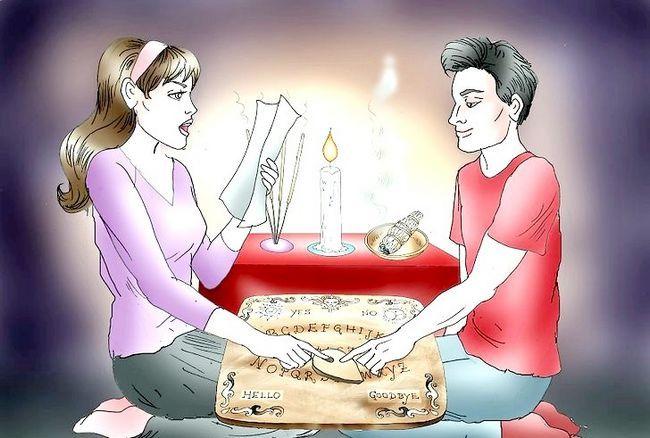 एक Ouija बोर्ड चरण 8 का उपयोग करें शीर्षक छवि