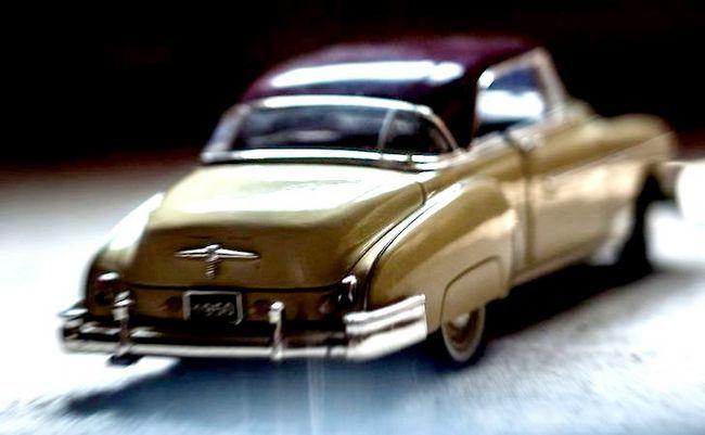 एक कार चरण 4 में पीछा हस्तक्षेप तकनीक (पीआईटी पैंतरेबाज़ी) का प्रयोग शीर्षक वाली छवि