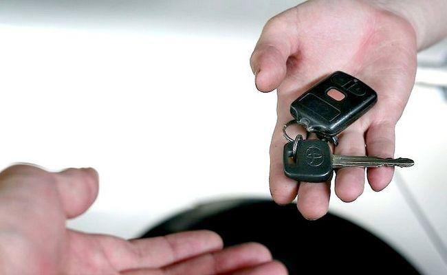 आपकी कार निजी तौर पर कदम 13 से खरीदें छवि शीर्षक